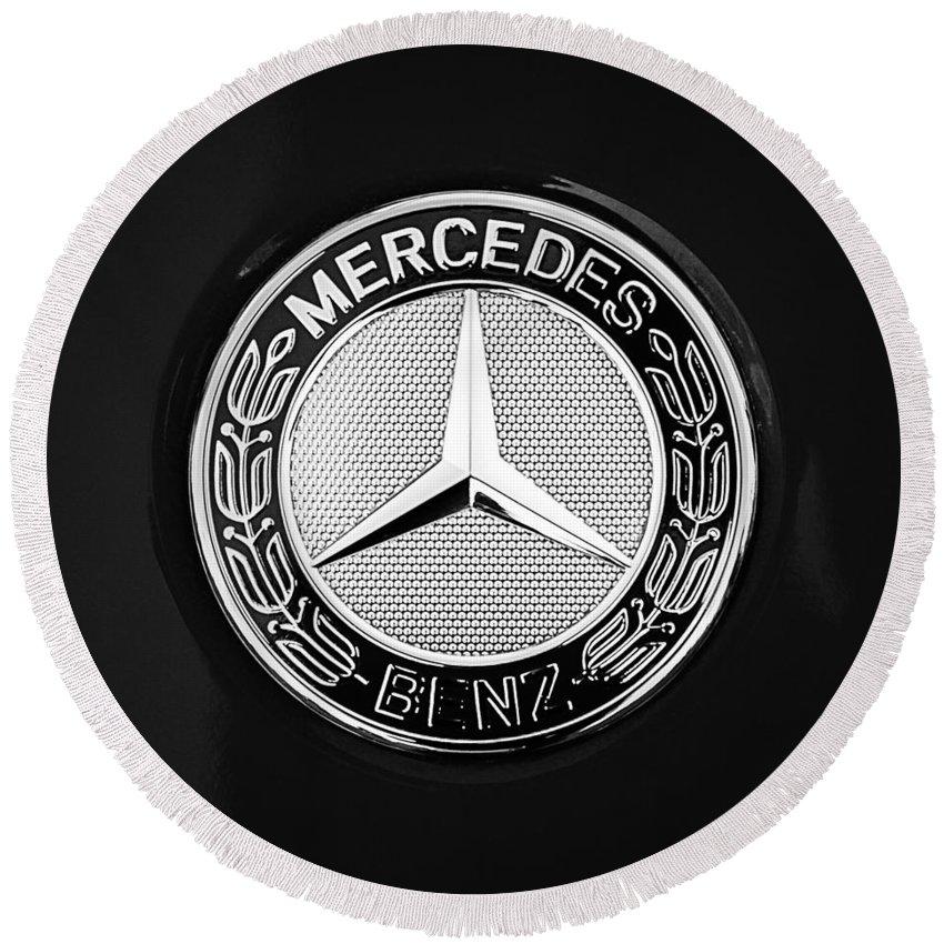 Mercedes-benz 6.3 Gullwing Emblem Round Beach Towel featuring the photograph Mercedes-Benz 6.3 Gullwing Emblem by Jill Reger