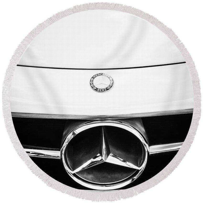 Mercedes-benz Grille Emblem Round Beach Towel featuring the photograph Mercedes-benz Grille Emblem -0230bw by Jill Reger