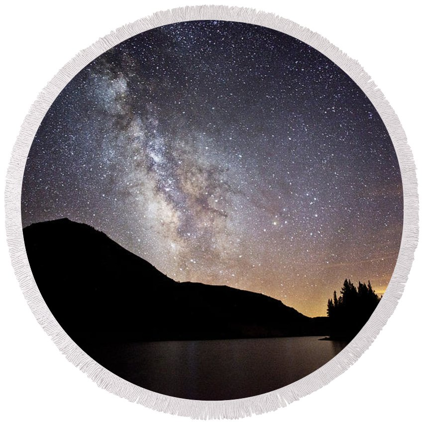 Milky Round Beach Towel featuring the photograph Milky Way At Highland Lakes by Dianne Phelps