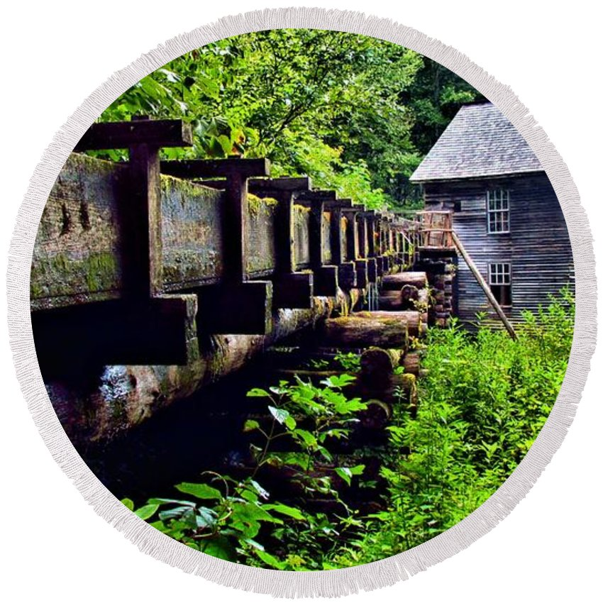 Great Smoky Mountain National Park Round Beach Towel featuring the photograph Mingus Mill by Carol Montoya