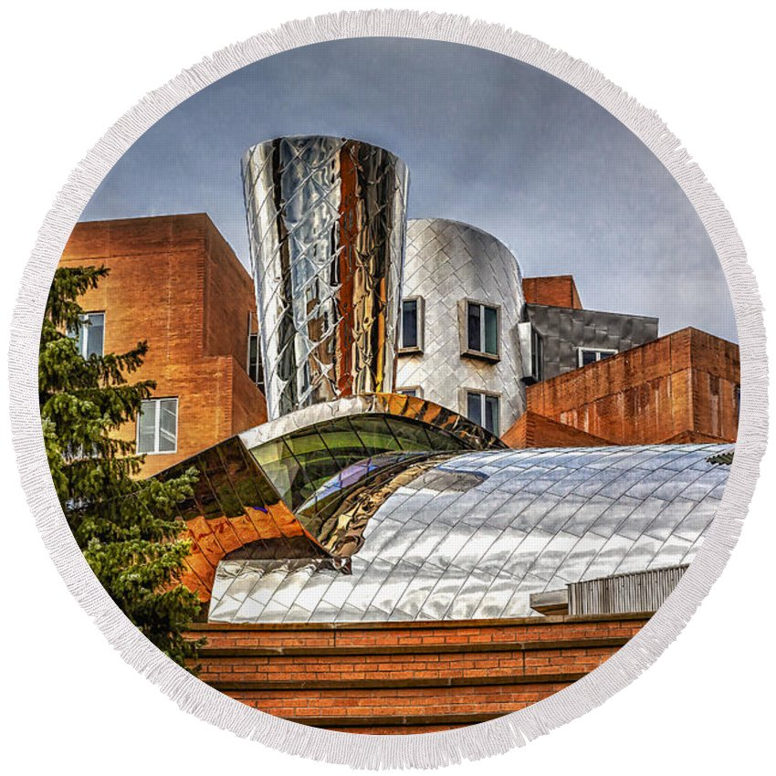 Mit Round Beach Towel featuring the photograph Mit Stata Building Center - Cambridge by Susan Candelario