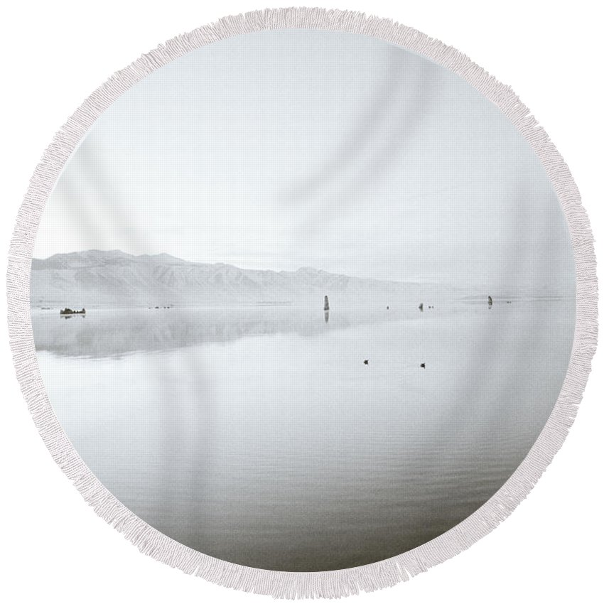 Inspiration Round Beach Towel featuring the photograph Mono Lake Serenity by Shaun Higson