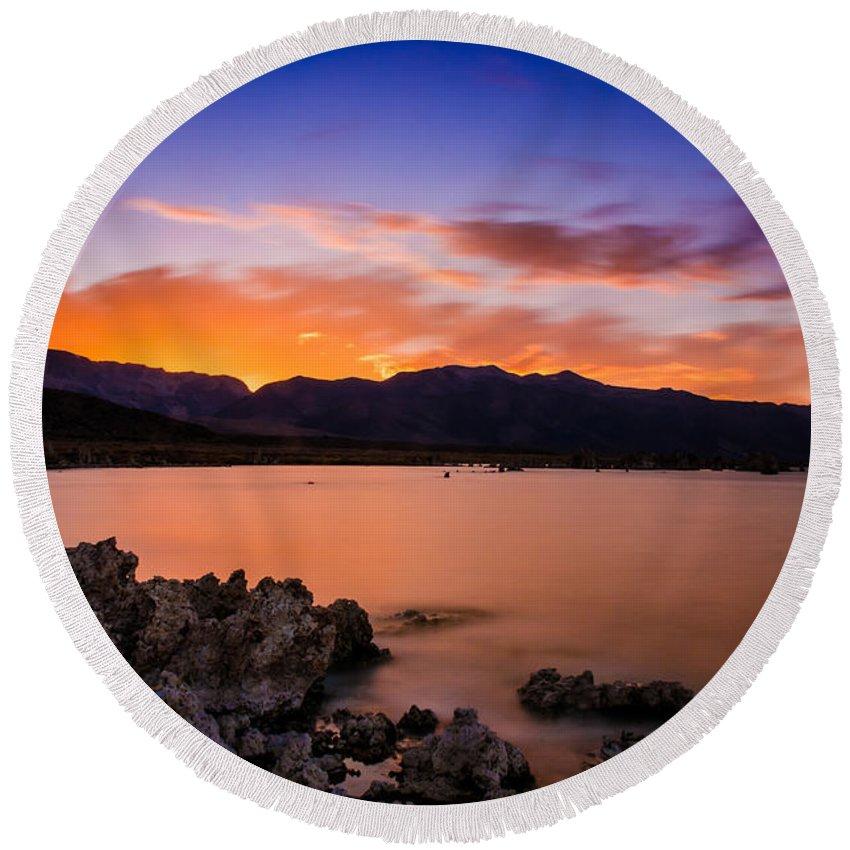 Mono Lake Round Beach Towel featuring the photograph Mono Lake Sunset by La Rae Roberts