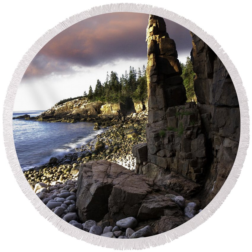 Landscape Round Beach Towel featuring the photograph Monument Cove Sunrise 4984 by Brent L Ander