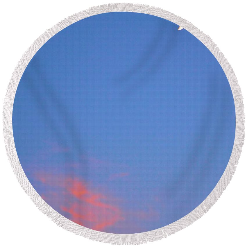 Moon Round Beach Towel featuring the photograph Moon At Sunset by Tara Potts