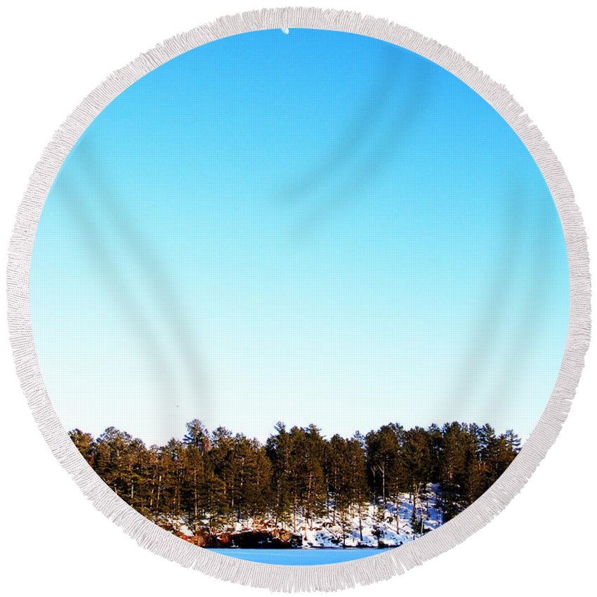 Moon Round Beach Towel featuring the photograph Moon Over The Lake by Mark Hudon