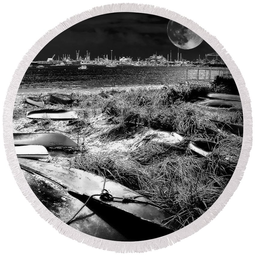 Landscape Round Beach Towel featuring the photograph Moonlight On The Bay by Robert McCubbin