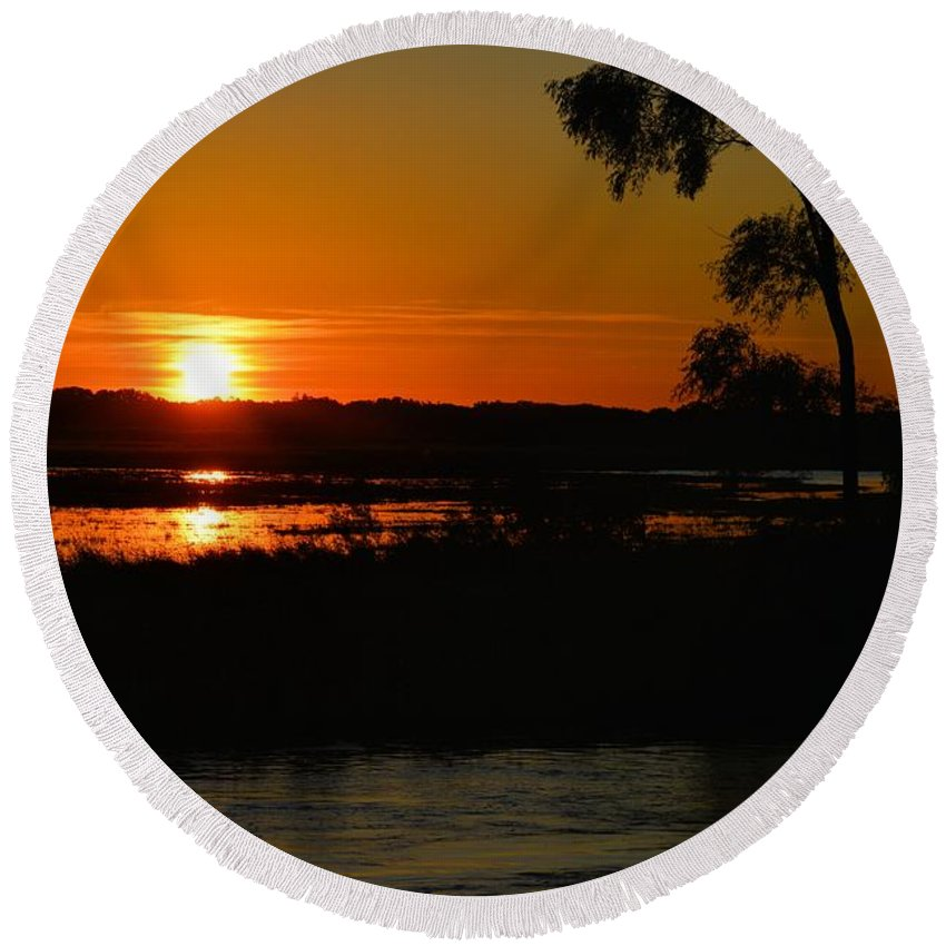 Marsh Round Beach Towel featuring the photograph Morning At The Marsh 2 by Bonfire Photography