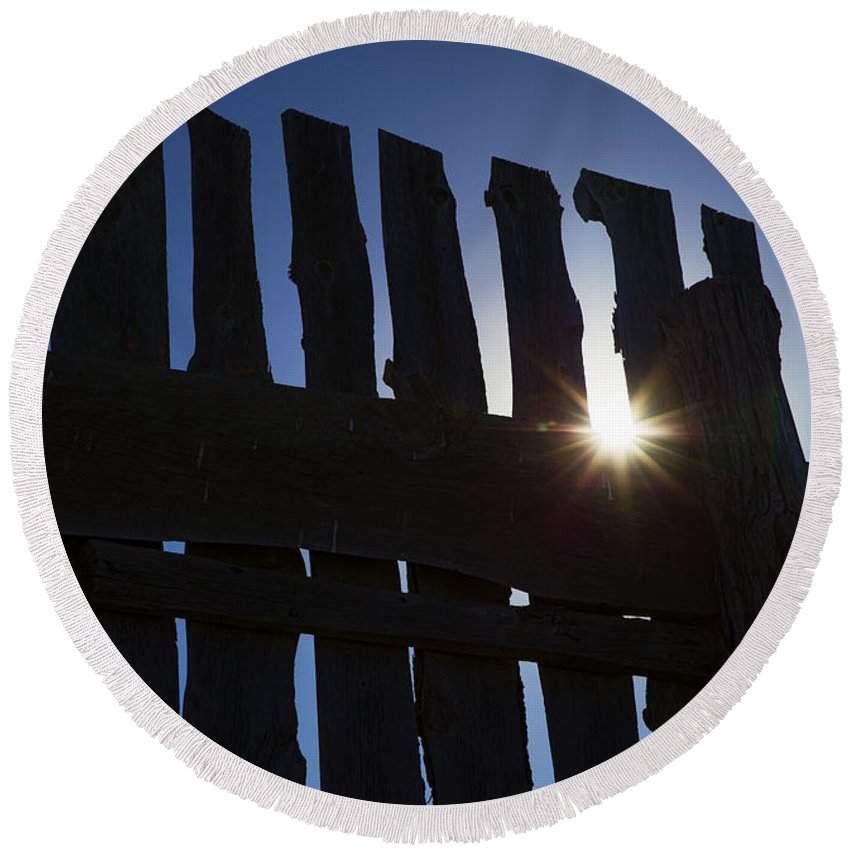 Country Round Beach Towel featuring the photograph Morning Fence by Sylvia Thornton