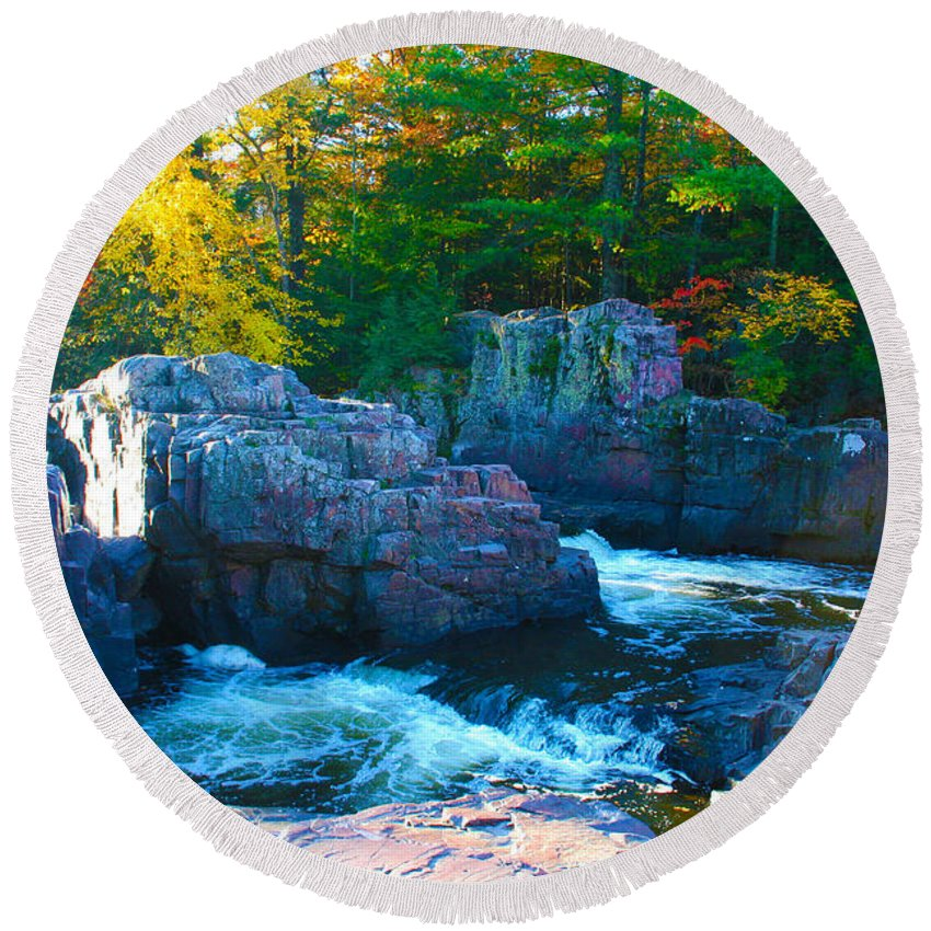 Eau Claire Dells Round Beach Towel featuring the photograph Morning In Eau Claire Dells by Tiffany Erdman