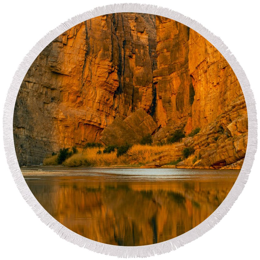 Santa Elena Canyon Round Beach Towel featuring the photograph Morning Light In The Canyon by Bob Phillips