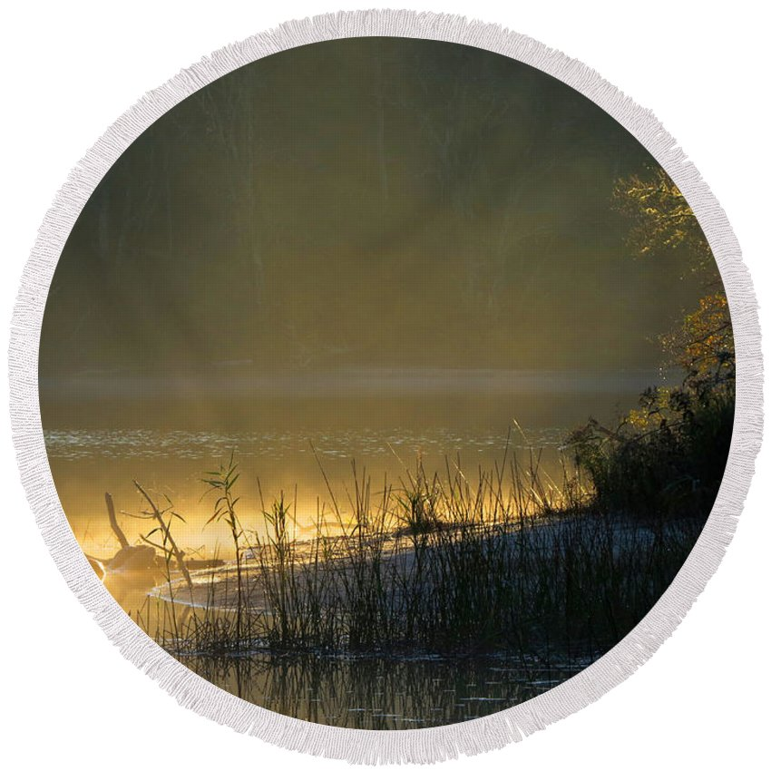 Sunrise Round Beach Towel featuring the photograph Morning Mist by Dianne Cowen