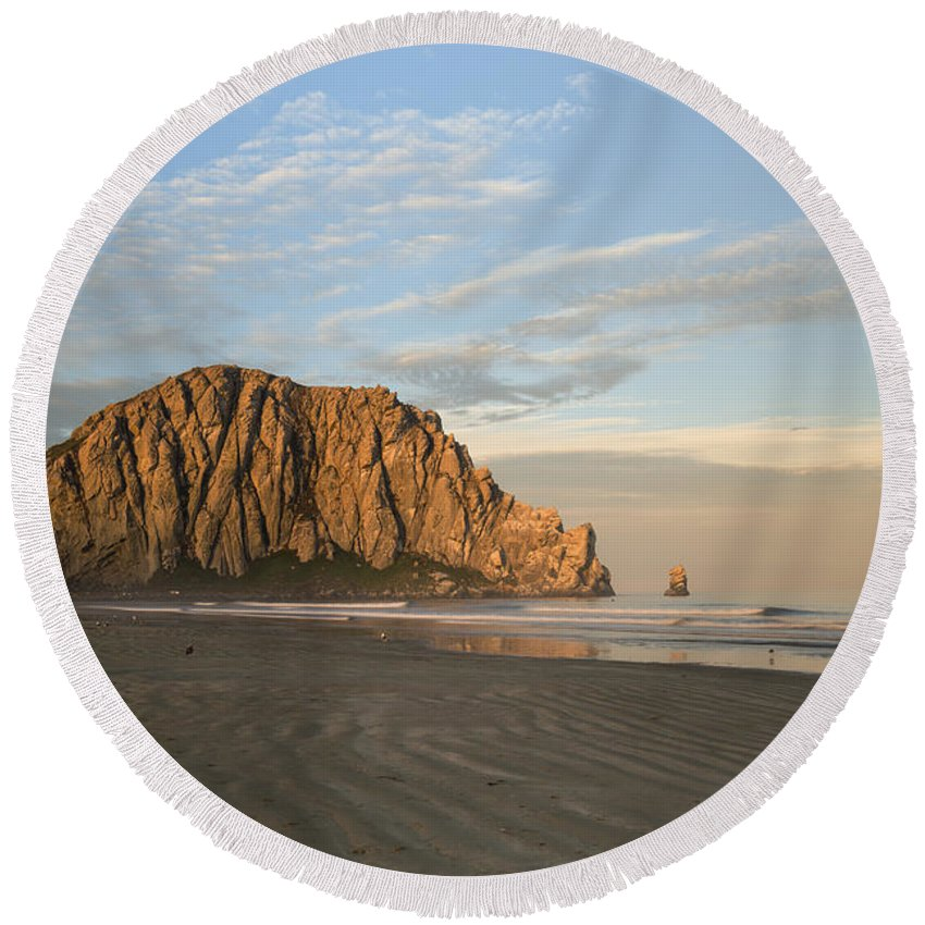 California Landscapes Round Beach Towel featuring the photograph Morro Rock At Dawn by Mike Herdering