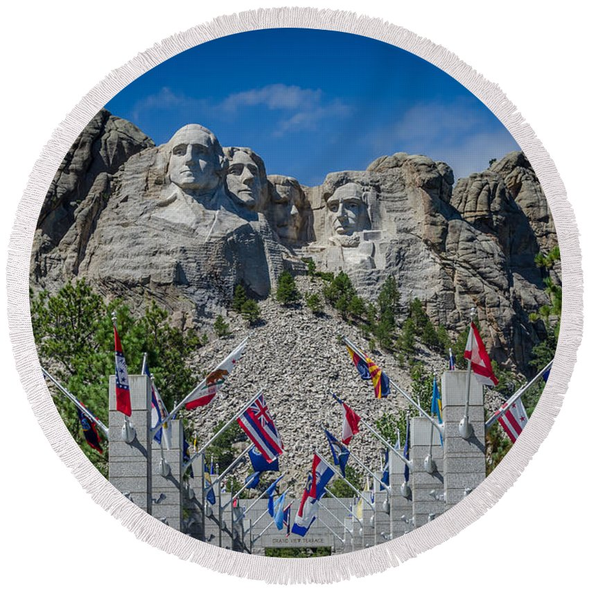 Mount Rushmore National Memorial. Mount Rushmore Round Beach Towel featuring the photograph Mount Rushmore National Memorial by Debra Martz