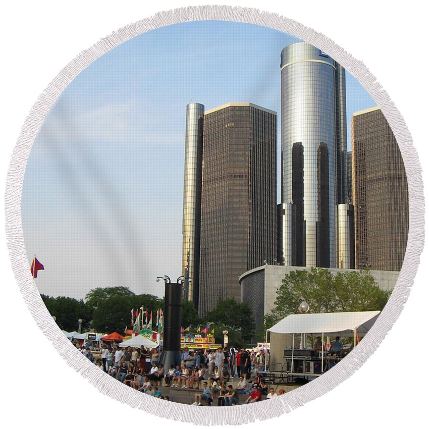 Hart Plaza Round Beach Towel featuring the photograph Movement Day C by Crystal Hubbard