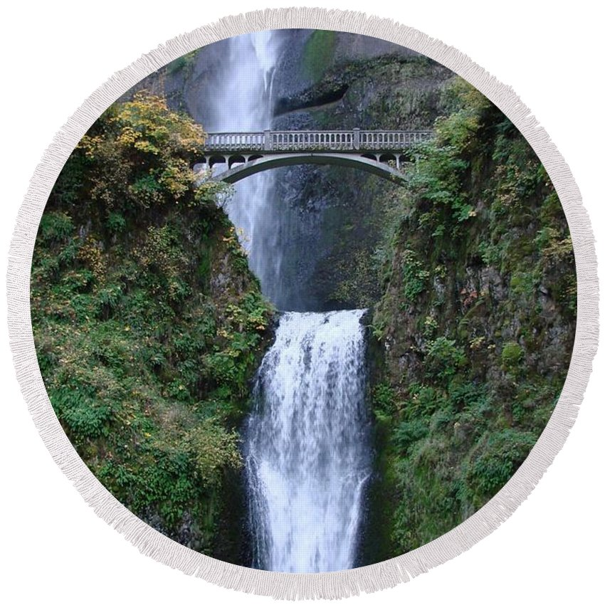 Multnomah Falls Round Beach Towel featuring the photograph Multnomah Falls by Athena Mckinzie