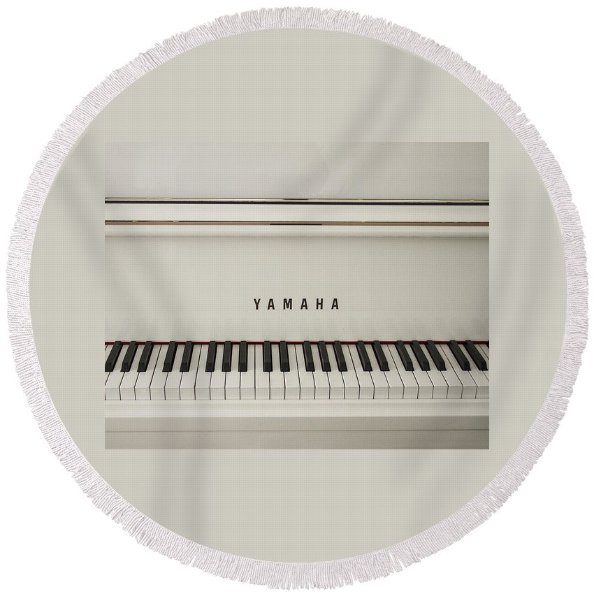 Piano Round Beach Towel featuring the photograph Music by Suanne Forster