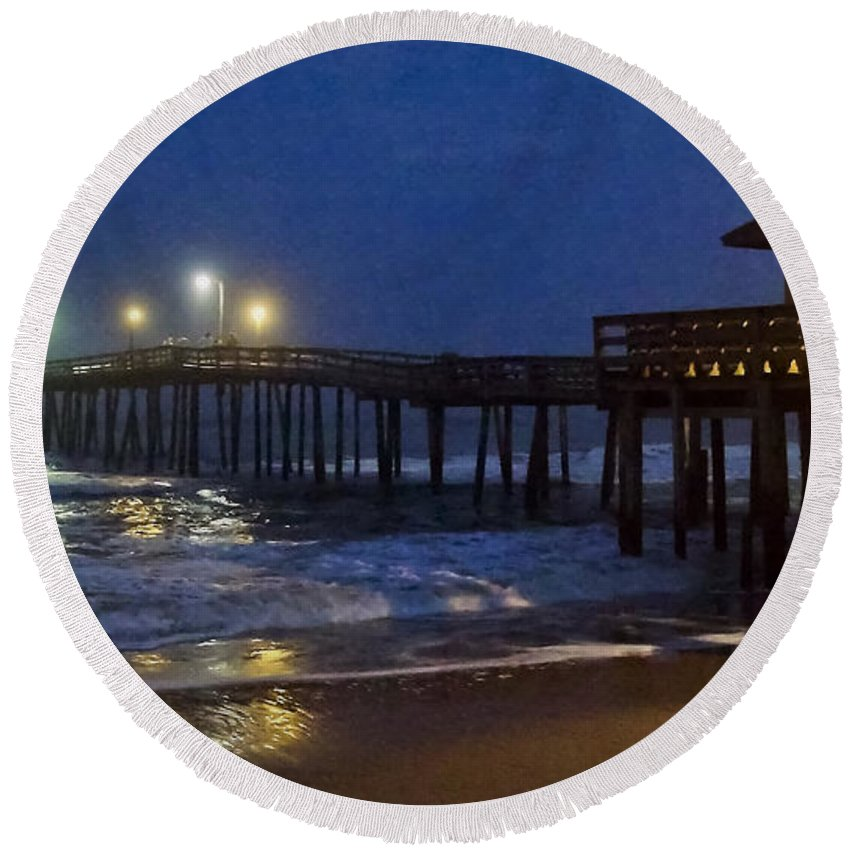 Nags Head Pier Round Beach Towel featuring the photograph Nags Head Pier II by Greg Reed
