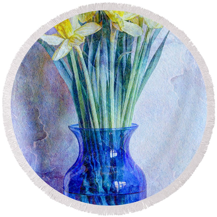 Blue Round Beach Towel featuring the photograph Narcissus by Heidi Smith