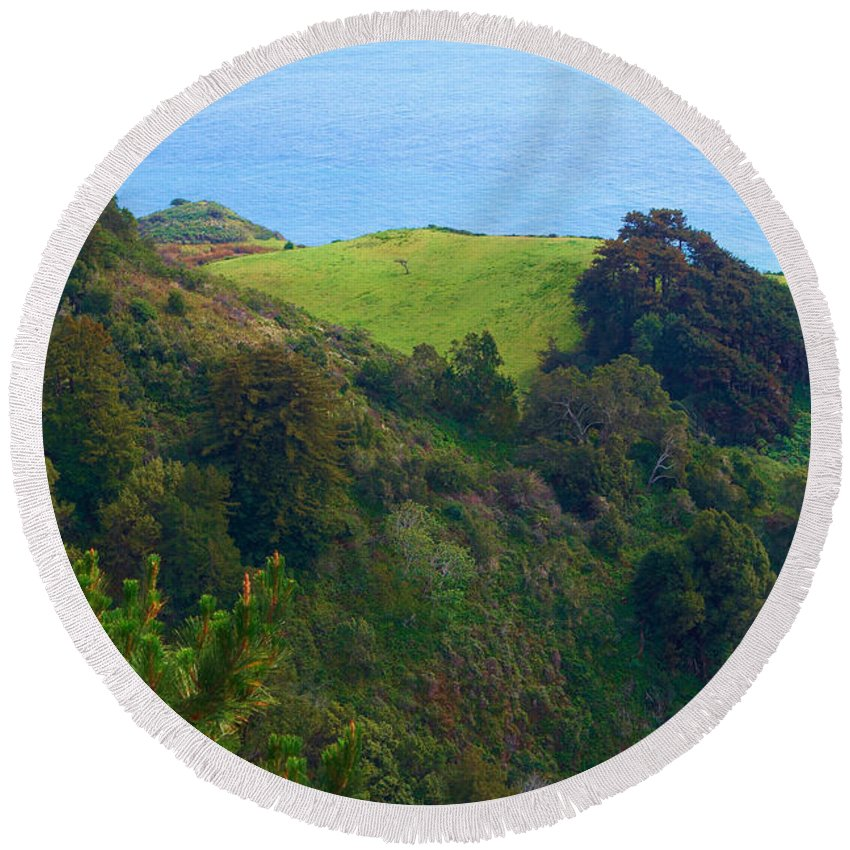 Nepenthe View Round Beach Towel featuring the photograph Nepenthe View At Big Sur In California by Charlene Mitchell