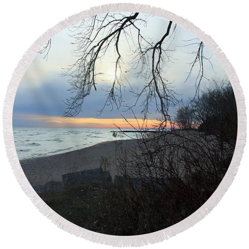 Centre Island Round Beach Towel featuring the photograph Never Forget You by Munir Alawi