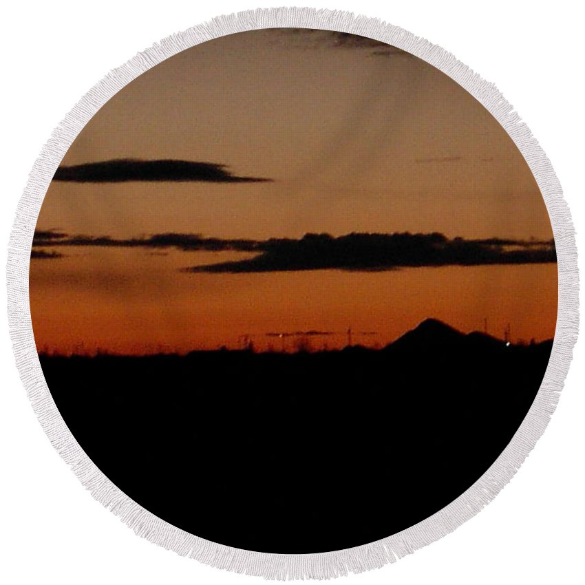 New Mexico Sunset Round Beach Towel featuring the photograph New Mexico Sunset by Denyse Duhaime
