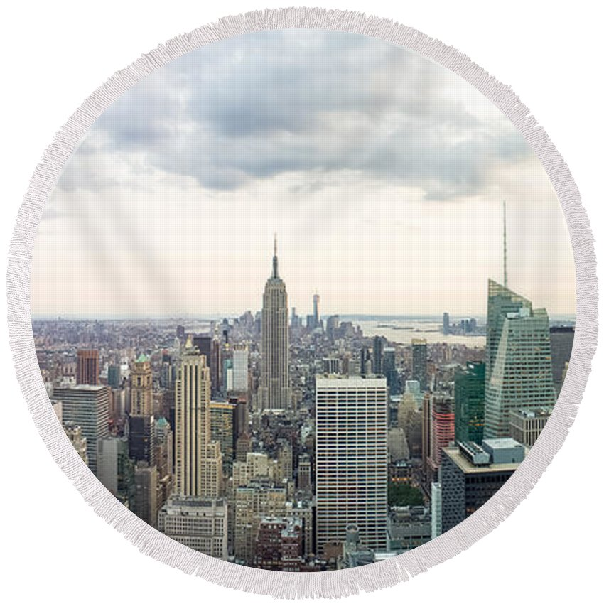 New York Round Beach Towel featuring the photograph New York City Skyline by Ferry Zievinger
