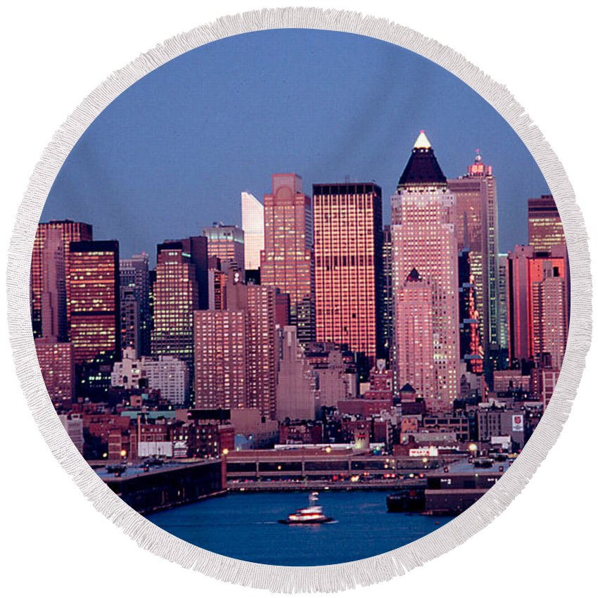 Nyc Round Beach Towel featuring the photograph New York Skyline At Dusk by Anthony Sacco