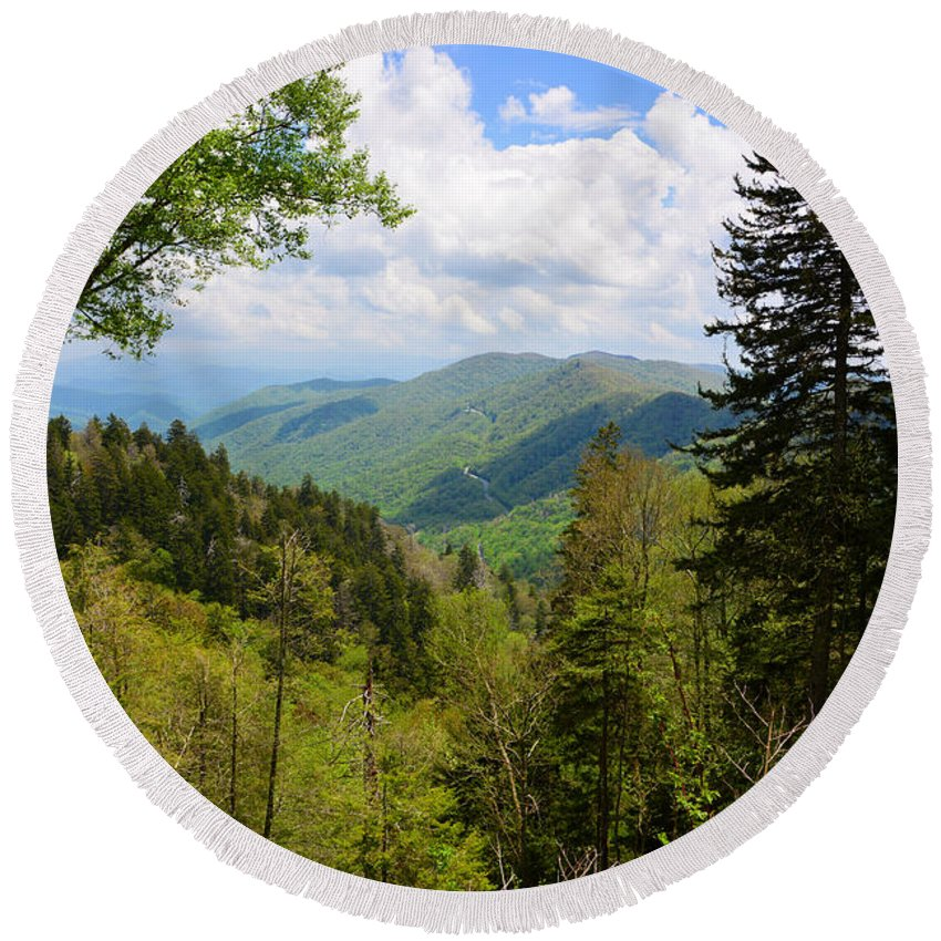 Smoky Mountain National Park Round Beach Towel featuring the photograph Newfound Gap by David Lee Thompson