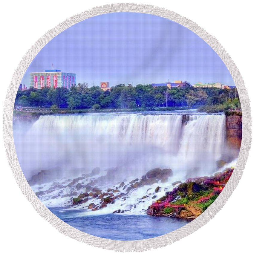 Niagara Round Beach Towel featuring the photograph Niagara Falls by Kathleen Struckle