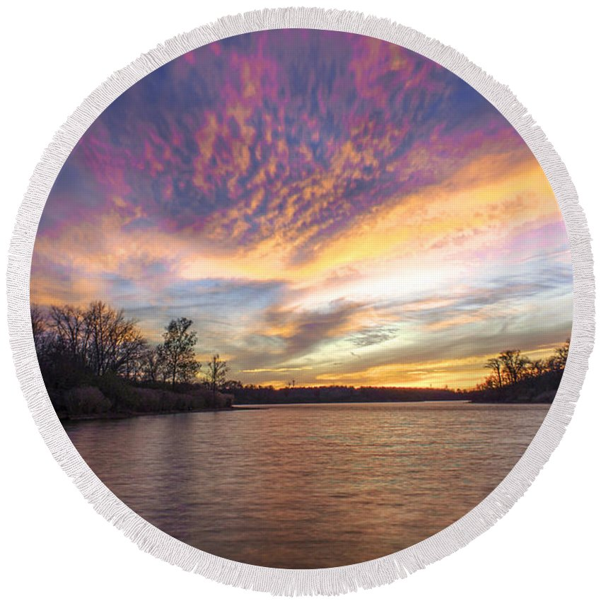 Hdr Round Beach Towel featuring the photograph Night Approaches by Thomas Sellberg