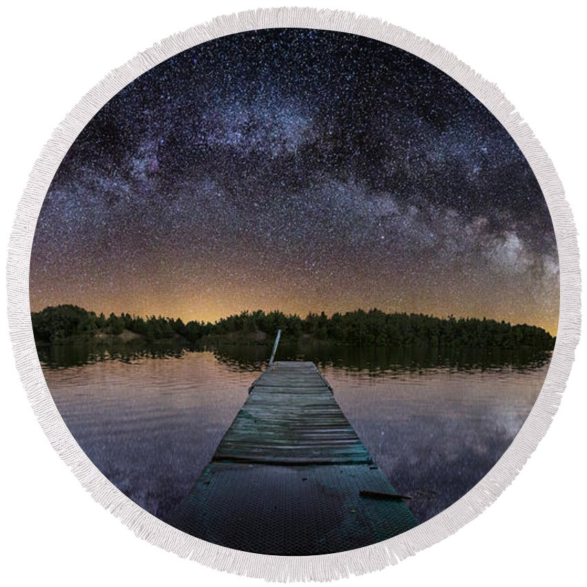 Pano Round Beach Towel featuring the photograph Night At The Lake by Aaron J Groen
