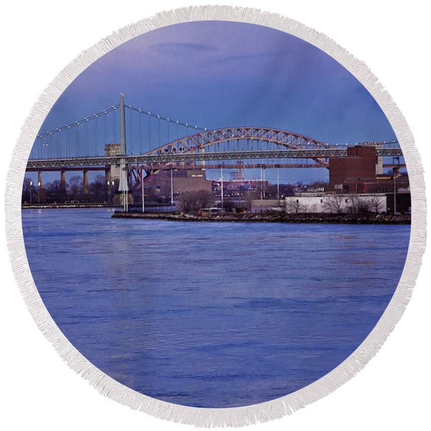 Bridge Round Beach Towel featuring the photograph Night Descends Over The Triboro Bridge - Nyc by Madeline Ellis