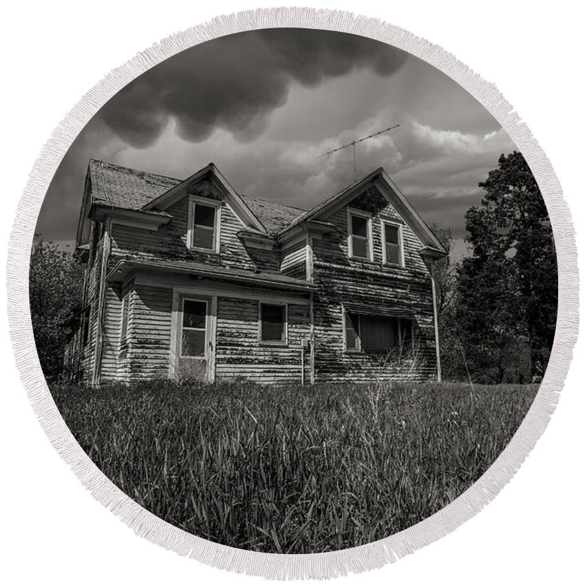 Oz Round Beach Towel featuring the photograph No Place Like Home by Aaron J Groen