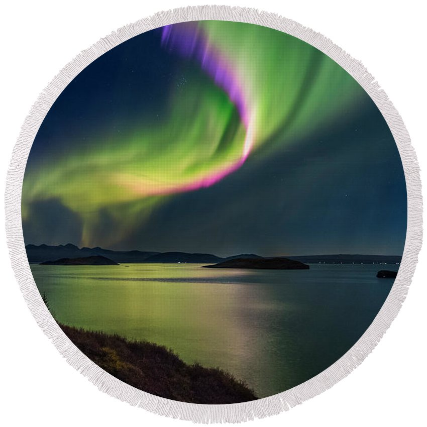 Photography Round Beach Towel featuring the photograph Northern Lights Over Thingvallavatn Or by Panoramic Images
