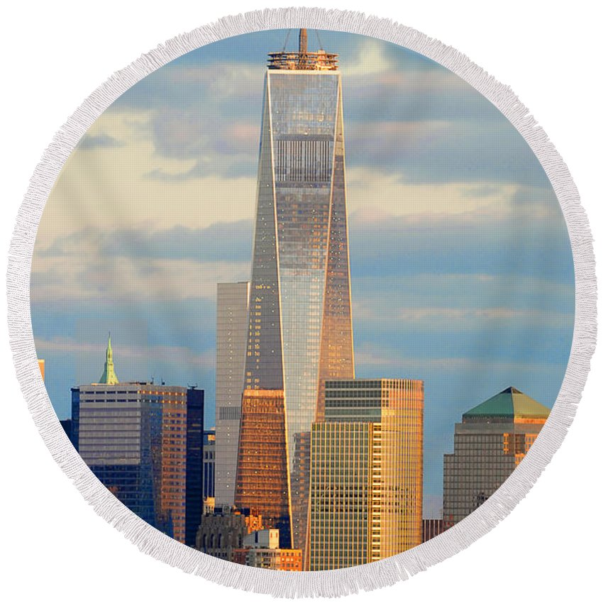 One World Trade Center Round Beach Towel featuring the photograph Ny Sundown One World Trade by Regina Geoghan