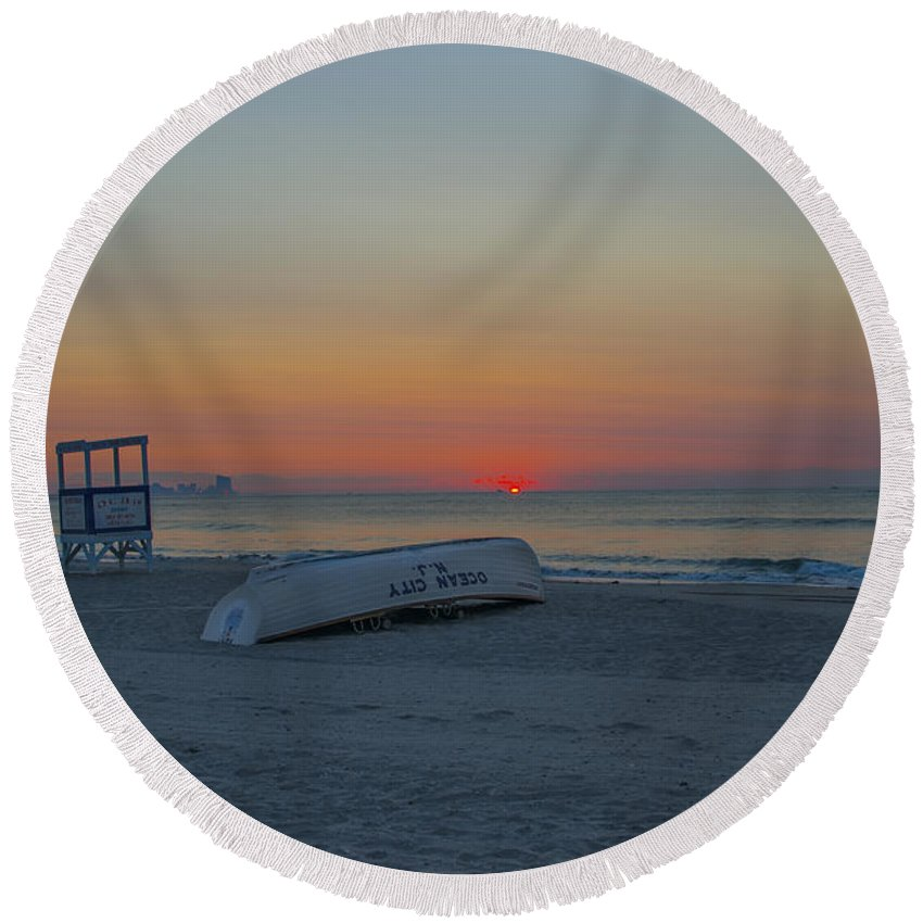 Ocean Round Beach Towel featuring the photograph Ocean City New Jersey Sunrise by Bill Cannon