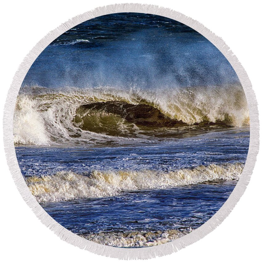 Ocean Waves Round Beach Towel featuring the photograph Ocean City Surf's Up by Bill Swartwout Fine Art Photography