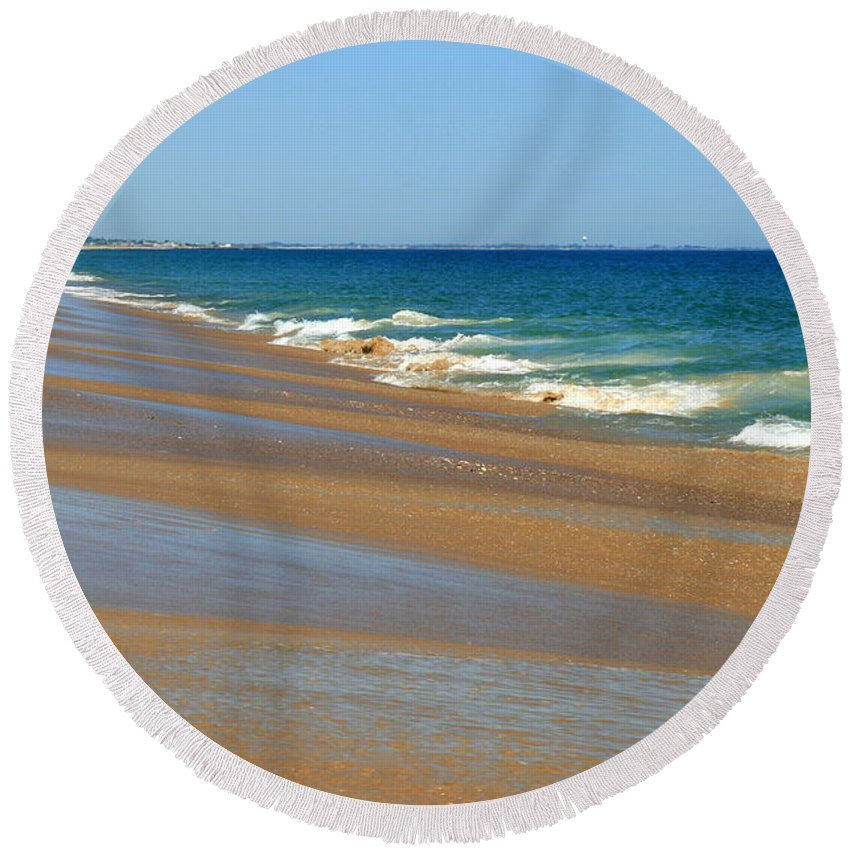 Ocean Art Round Beach Towel featuring the photograph Ocean Lines by Neal Eslinger