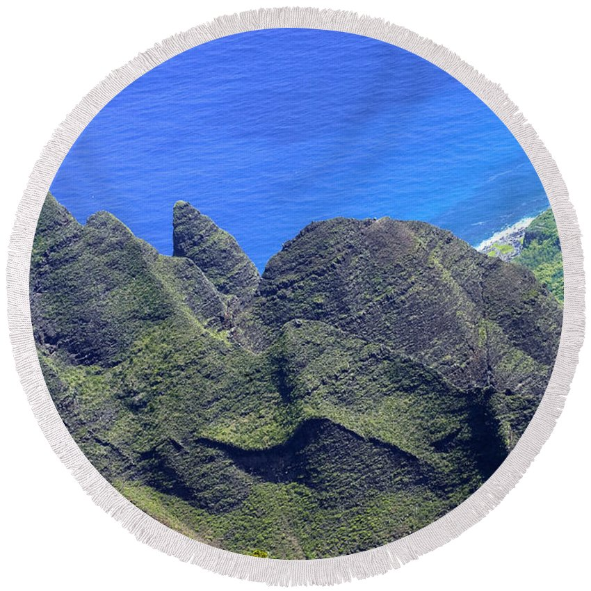 Waimea Canyon State Park Kauai Hawaii Canyons Mountain Peak Mountains Peaks Pacific Ocean Oceans Sea Seas Water Rock Landscape Landscapes Waterscape Waterscapes Round Beach Towel featuring the photograph Ocean Peaks by Bob Phillips