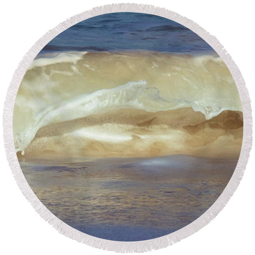 Turks And Caicos Round Beach Towel featuring the photograph Ocean Wave by Zina Zinchik