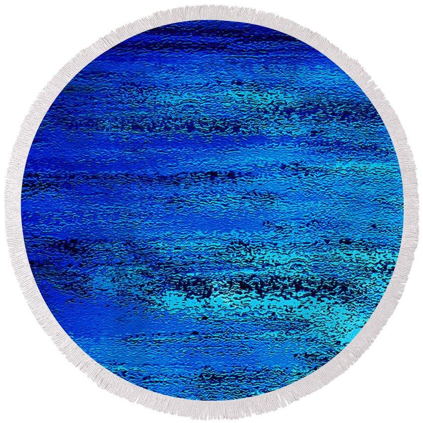 Abstract Round Beach Towel featuring the digital art Oceanic by Danuta Bennett