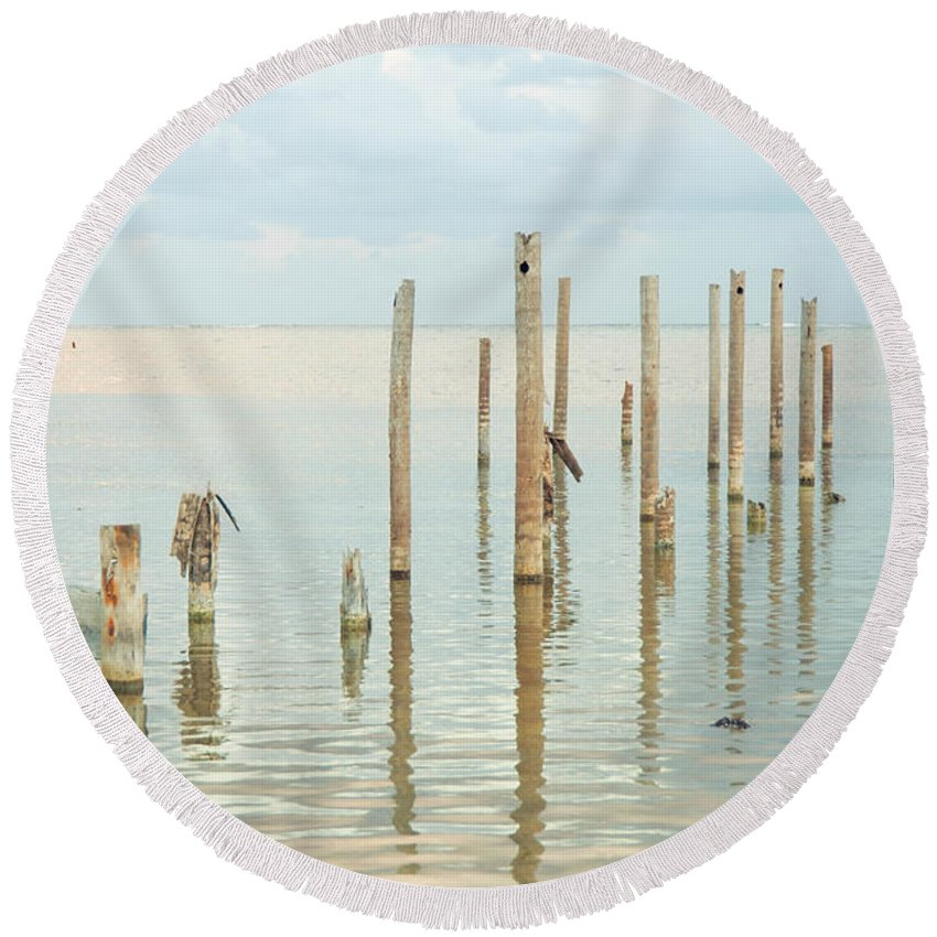 Belize Round Beach Towel featuring the photograph Oceanic Tranquility 2 by Zina Zinchik