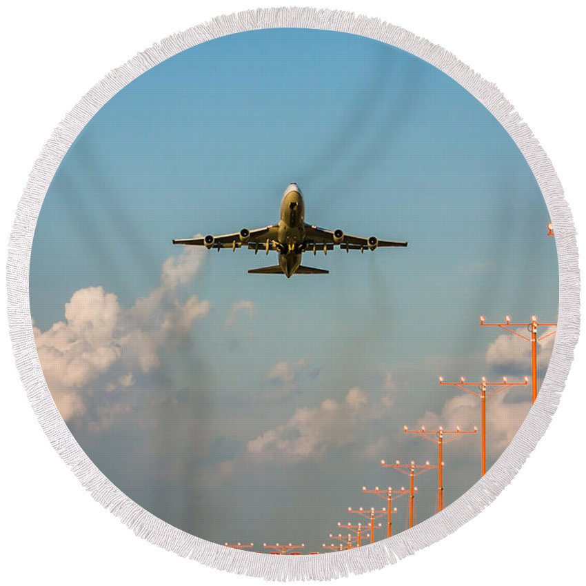Chicago Round Beach Towel featuring the photograph O'hare Take Off by Anthony Doudt