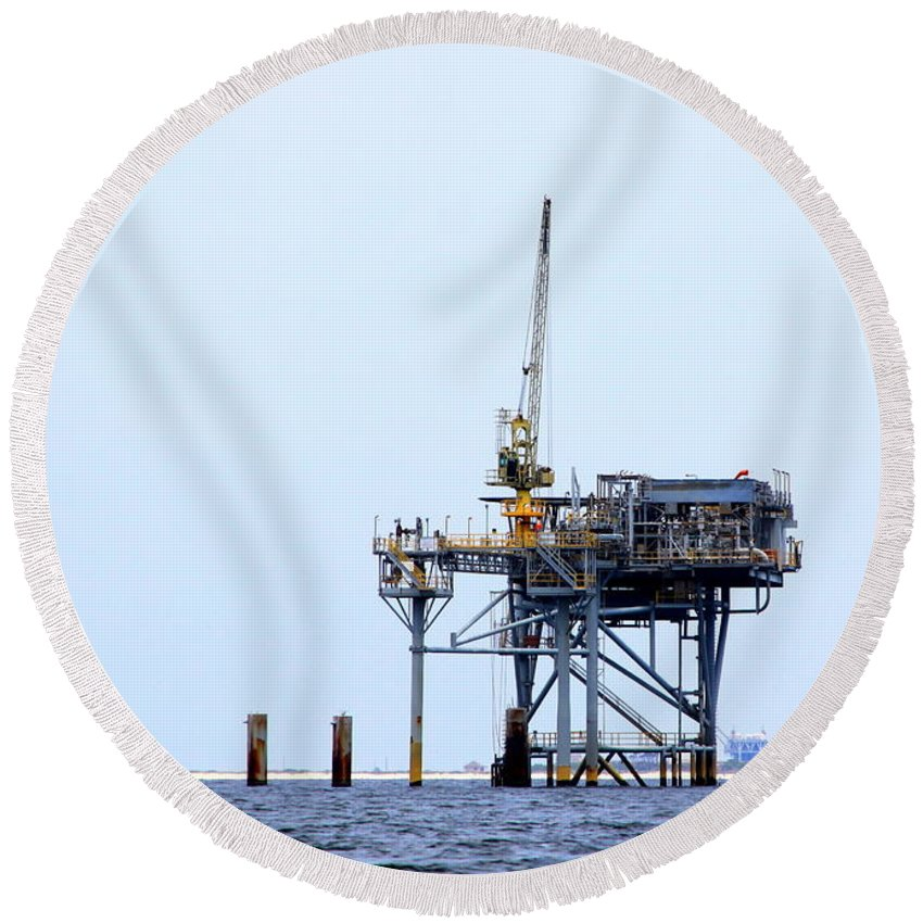 Oil Round Beach Towel featuring the photograph Oil Rig In The Gulf by Travis Truelove