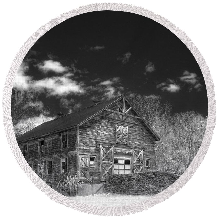 Barn. Ir Round Beach Towel featuring the photograph Old Barn by Claudia Kuhn