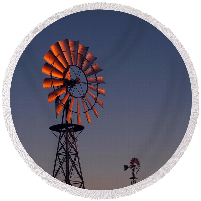 Windmills Round Beach Towel featuring the photograph Old Fashioned Wind Mill by Don Spenner
