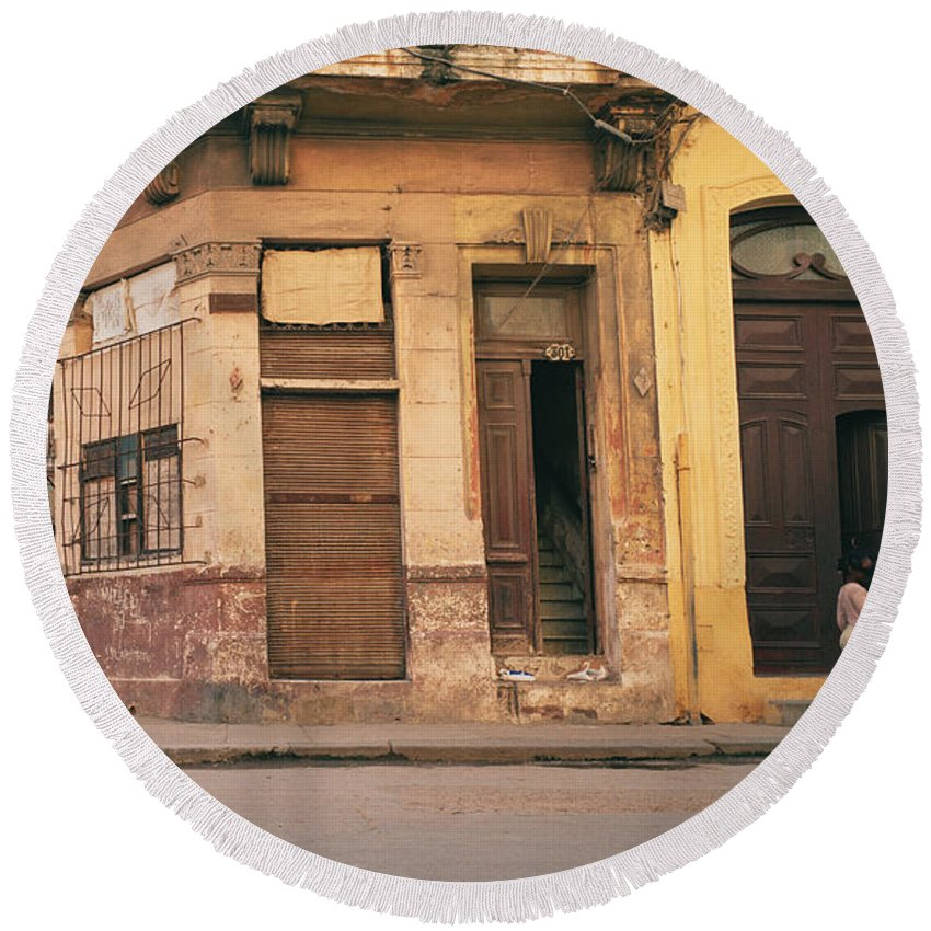 Cuba Round Beach Towel featuring the photograph Life In Old Havana by Shaun Higson