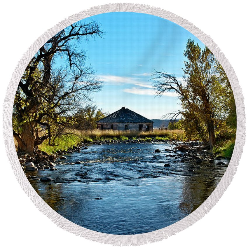 Agency Round Beach Towel featuring the photograph Old Homestead Along Hwy 16 by Roderick Bley