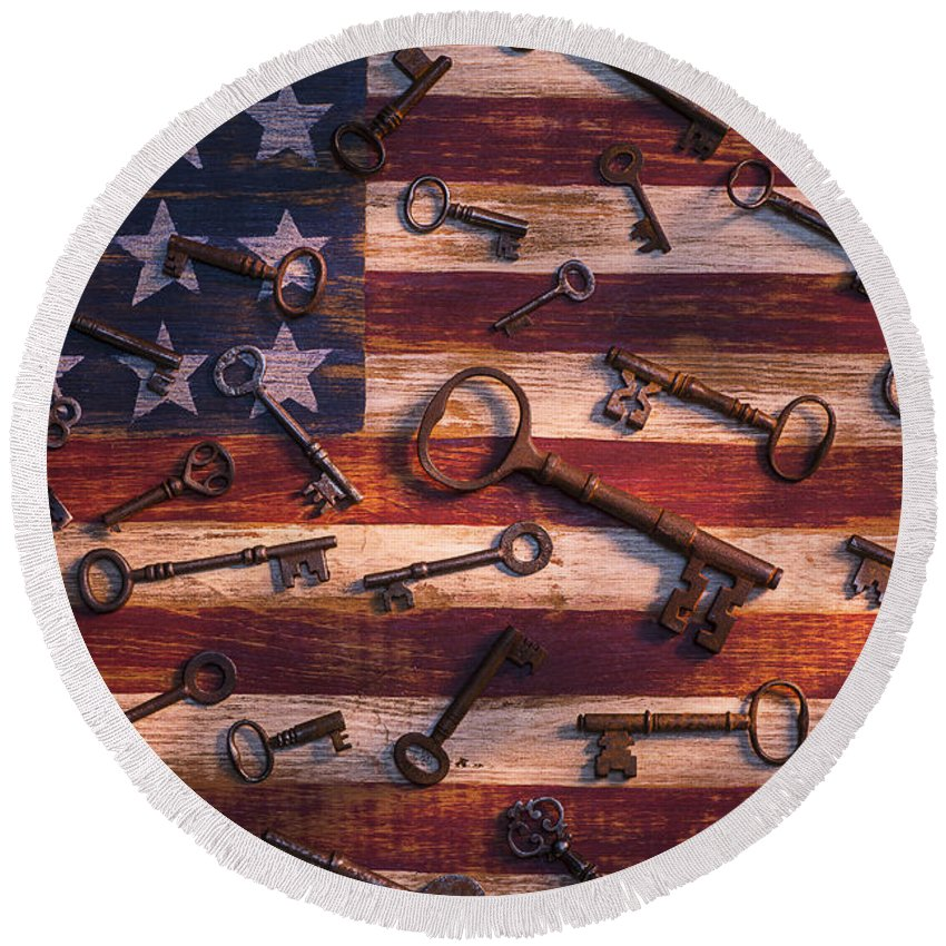 Old Round Beach Towel featuring the photograph Old Keys On American Flag by Garry Gay